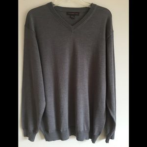 Tagio L NWOT wool and acrylic men's sweater grey.